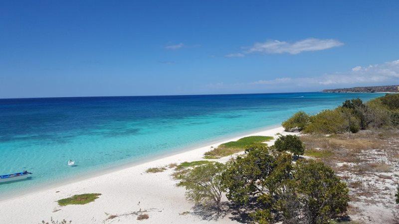 Einsamer Naturstrand von Bahia de las Aguilas
